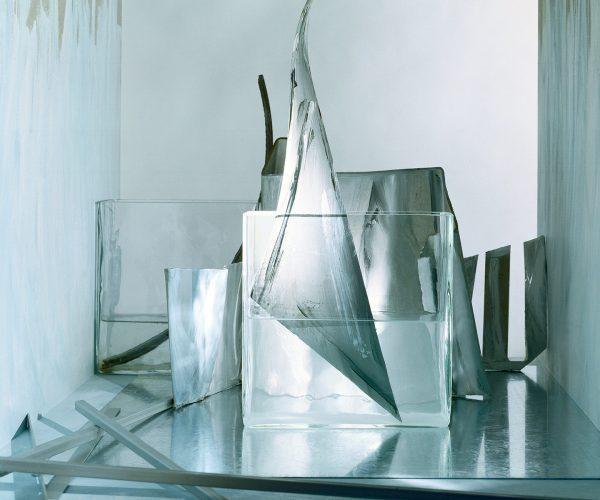 ART MEETS DESIGN | Alexander Kirberg | Worlds in a room | Ice 2001